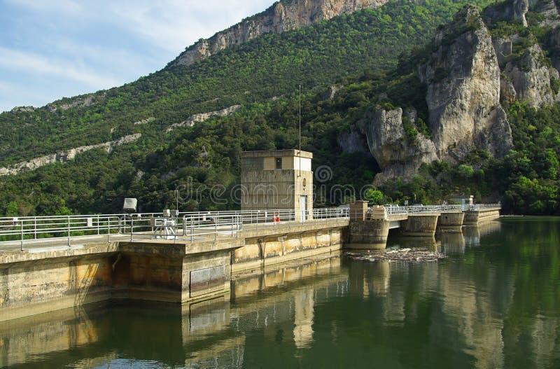 里约Ebro Embalse de Sobron 01 免版税库存图片