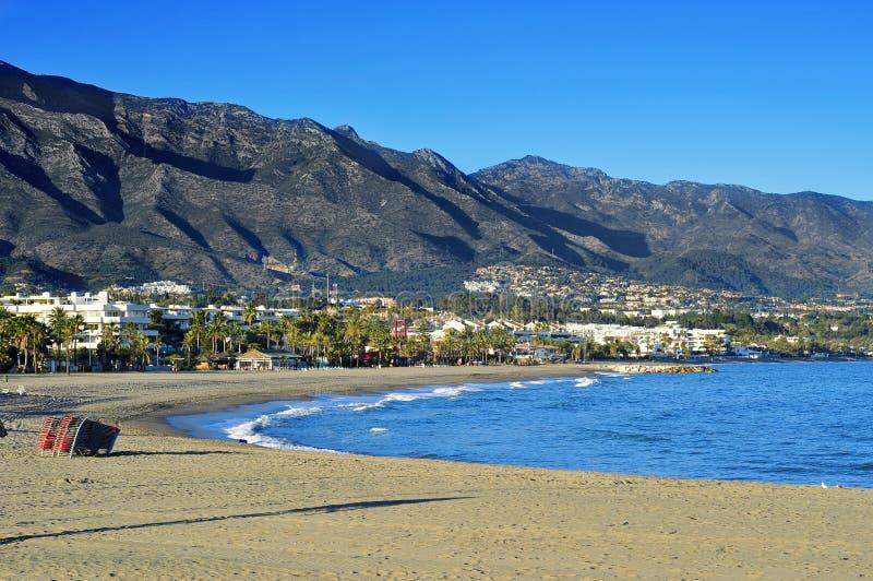 里约Verde海滩在Marbella,西班牙 免版税库存照片