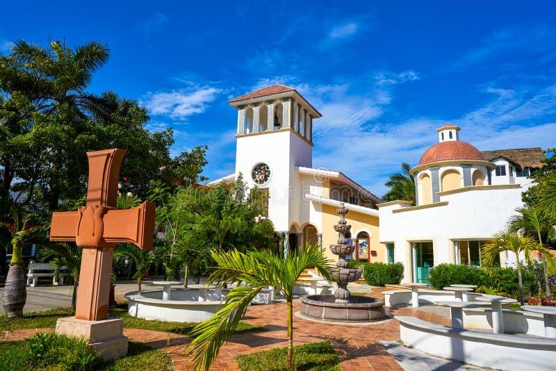 里维埃拉玛雅人的Puerto莫雷洛斯州教会 免版税库存图片