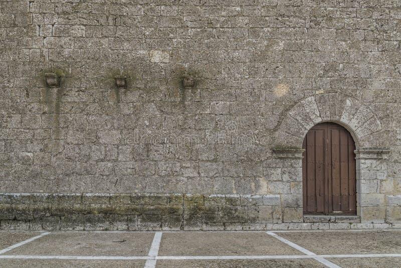 巴里阿多里德,农村教会门廊 图库摄影