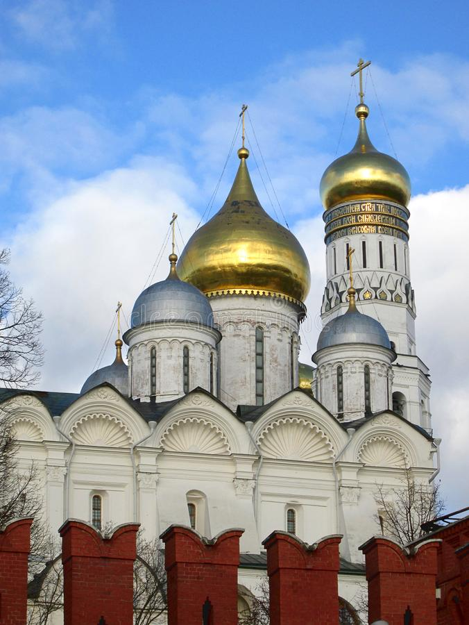 里面克里姆林宫 观点的伊冯伟大的钟楼,莫斯科,俄罗斯 免版税库存图片