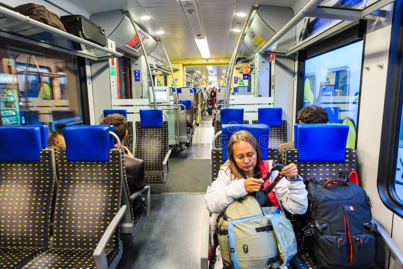 里面意大利地方火车 免版税库存图片