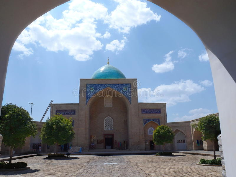 里面巴瑞克可汗Madrasah在塔什干,乌兹别克斯坦 库存照片