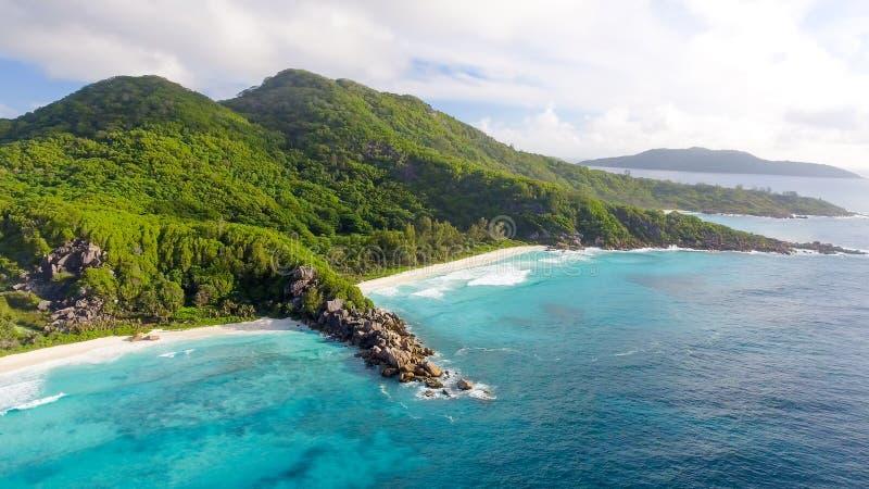 重创的Anse鸟瞰图-拉迪格岛海岛,塞舌尔群岛 免版税图库摄影