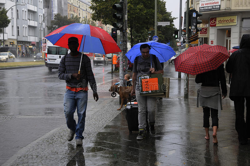 重的多雨天气在柏林德国 库存图片