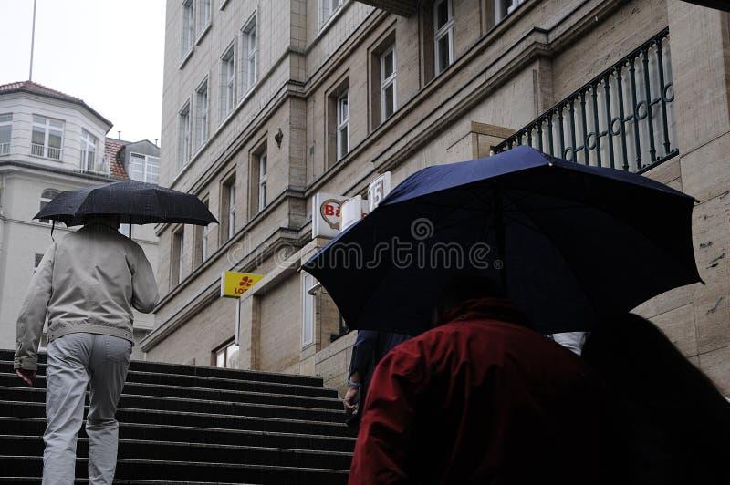 重的多雨天气在柏林德国 免版税库存图片