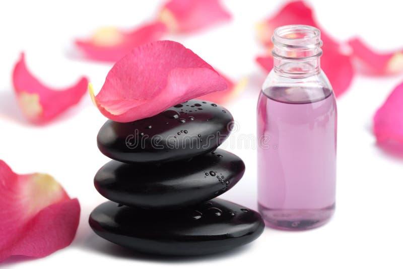 重要查出的油瓣玫瑰色温泉石头 库存照片
