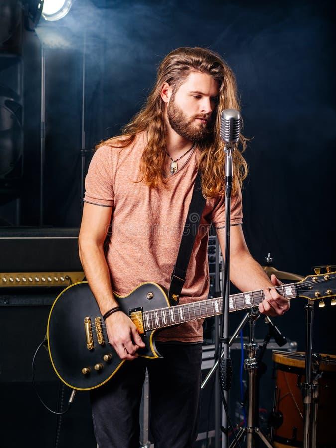重金属的吉他演奏员 库存照片