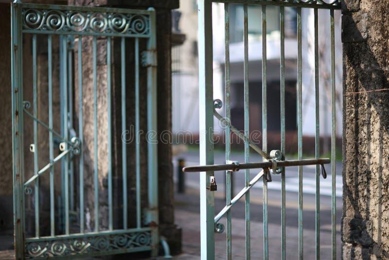 重金属的门 库存图片