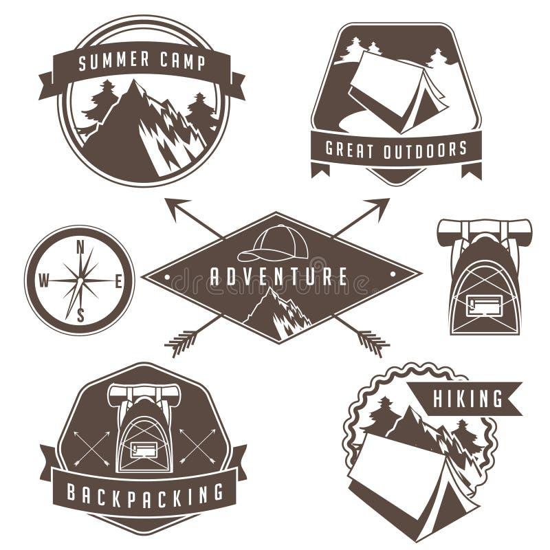 野营和远足徽章和象征汇集的葡萄酒 向量例证