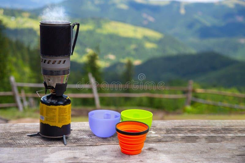 野营和野餐的用煤气烹饪燃烧器 库存图片