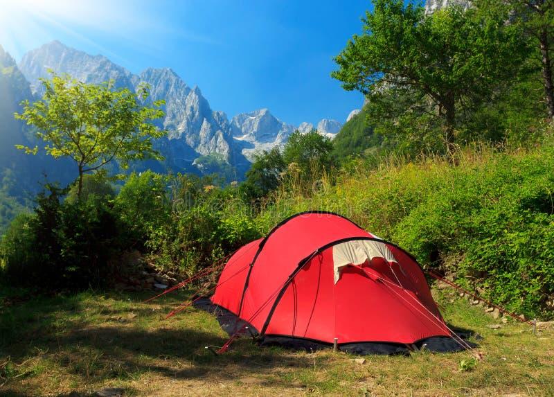 野营在山 免版税库存照片