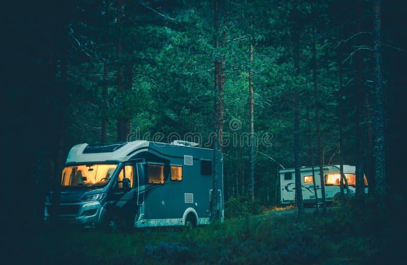 野营在狂放的Motorhome 库存照片