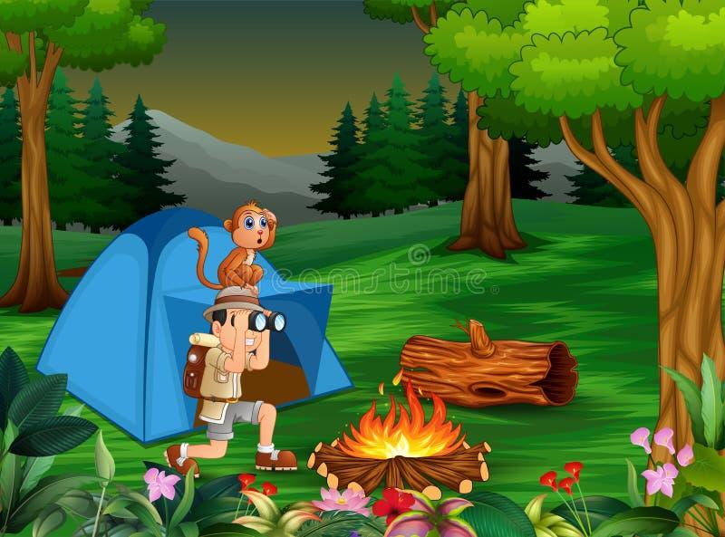 野营在黑暗的森林里的动物园管理员男孩和他的猴子 库存例证