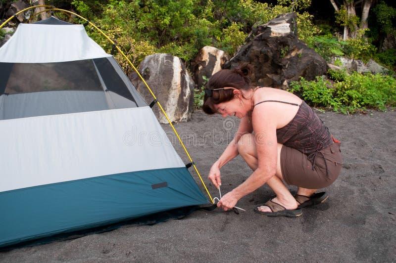 野营的投球帐篷 免版税库存图片