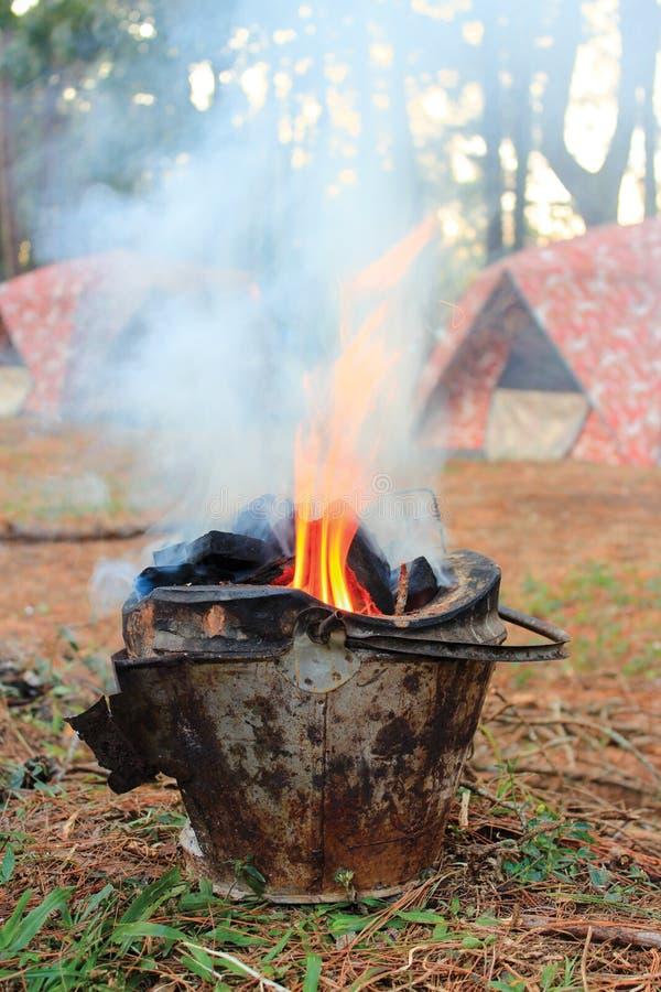 野营的森林 免版税图库摄影