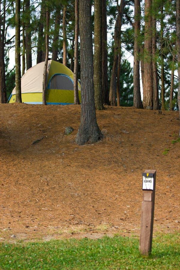 野营的露营地帐篷 免版税库存照片
