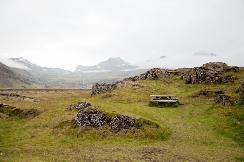 野餐桌在冰岛在夏天,没有人民 库存图片