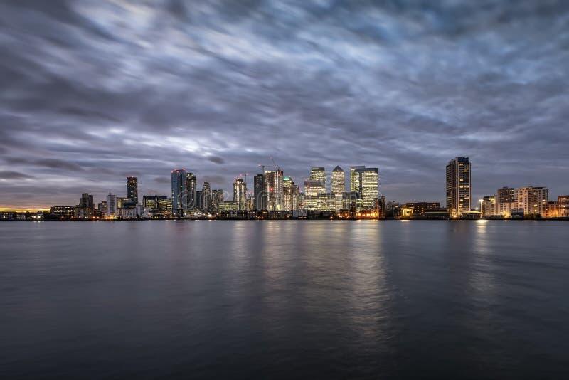 金丝雀码头和港区地平线在伦敦,英国 图库摄影