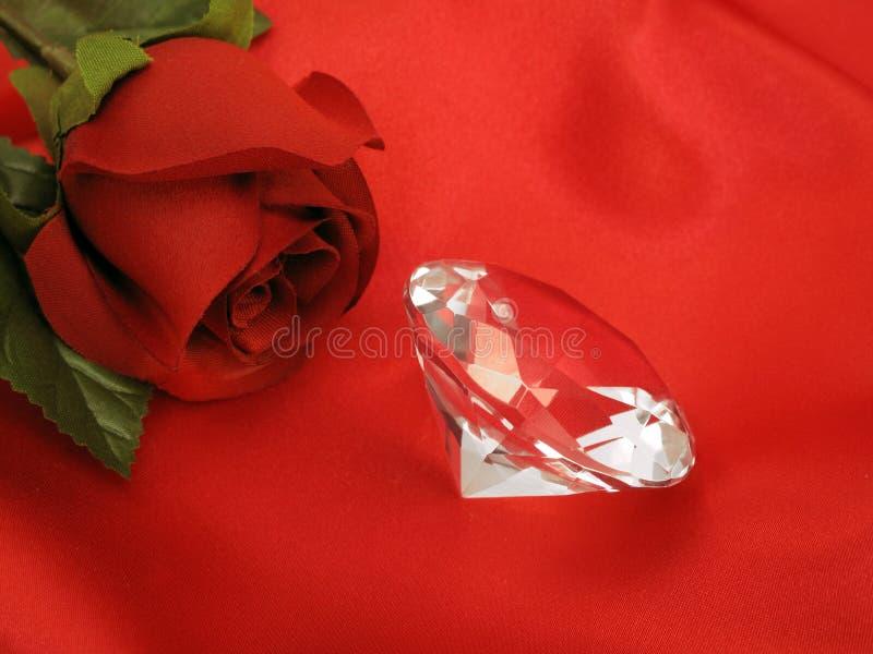 金刚石红色玫瑰色缎 库存照片