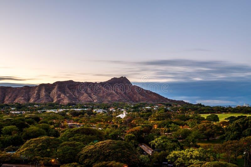 金刚石顶头火山口在Oahua,夏威夷 免版税库存图片