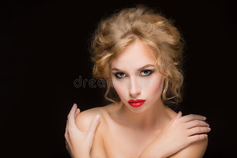金发 性感美丽的白肤金发的女孩 库存照片