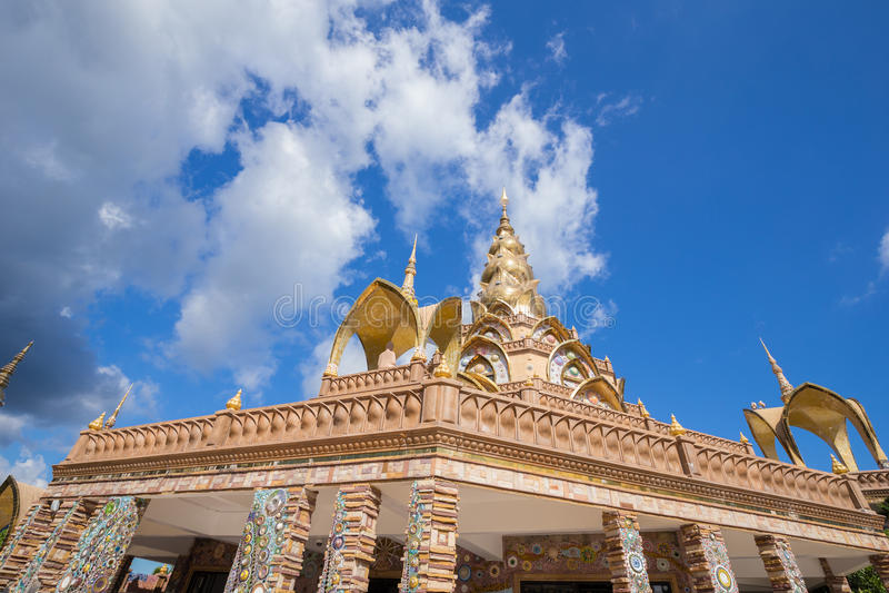 金塔在Wat Phra Pha儿子Kaew寺庙,泰国 图库摄影