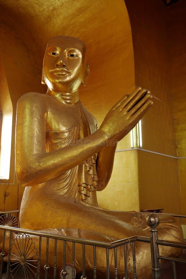 金子被镀的菩萨雕象 免版税库存照片
