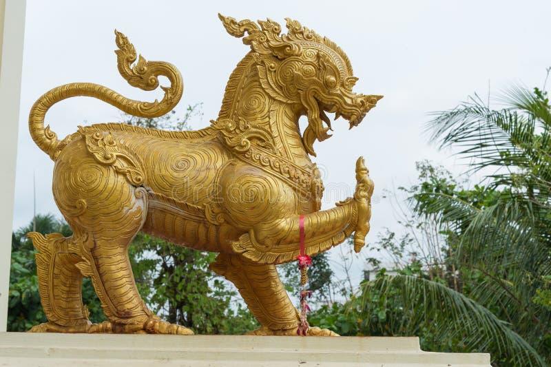 金子Singha雕象或狮子雕象 免版税库存图片