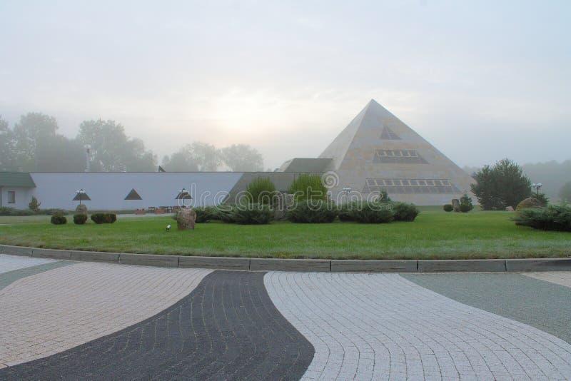 金字塔在波兰 免版税库存照片