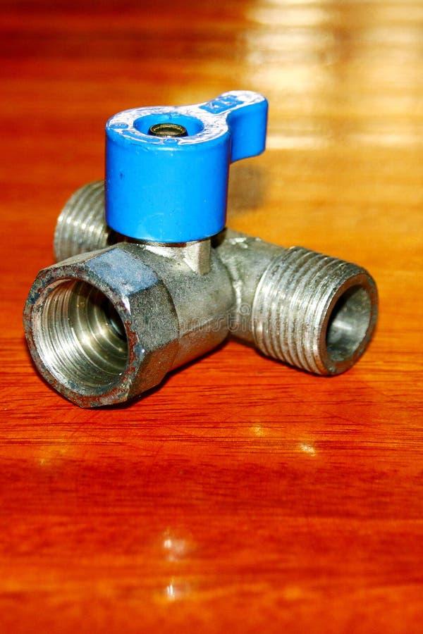 金属三通的水连接点 图库摄影