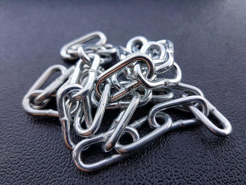 金属化链铁纹理背景,强的镀铬物保护 库存照片