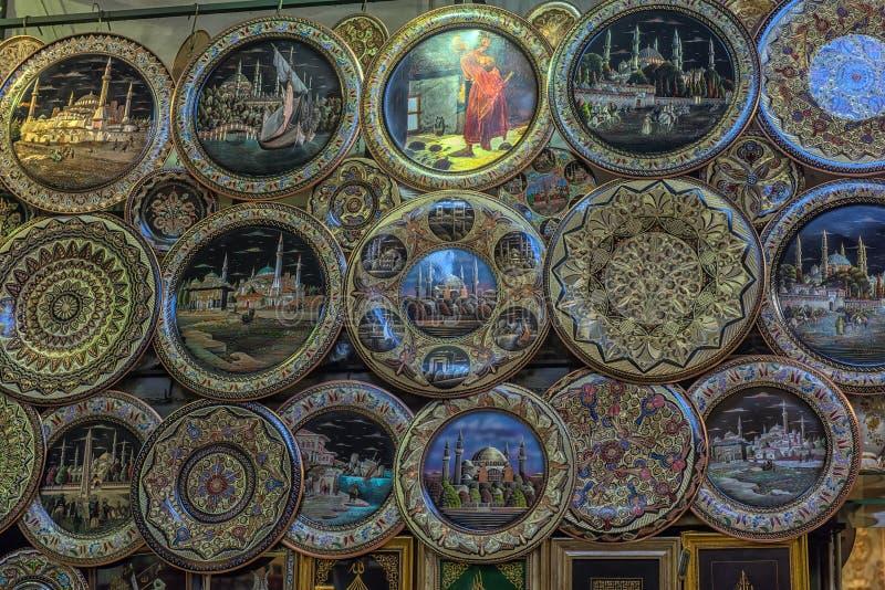 金属在盛大义卖市场的纪念品板材 图库摄影