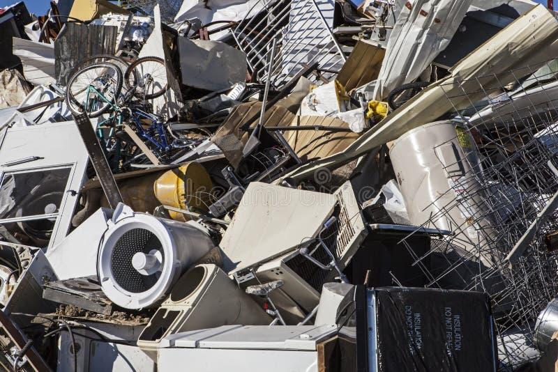 金属垃圾堆 库存照片