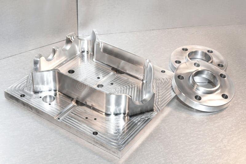 金属型和钢耳轮缘 制粉工业 CNC技术 库存图片