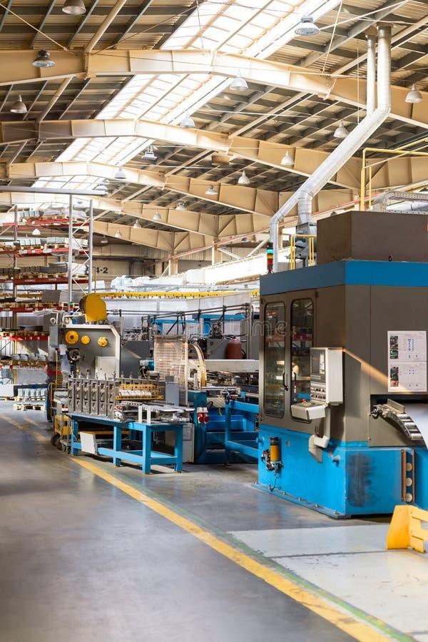 金属工艺商店的内部 现代工业企业 库存图片