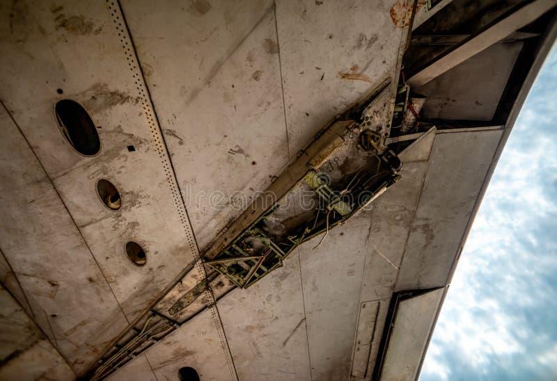 金属材料和飞机空运Alumunium组分为回收被折除的 免版税库存图片