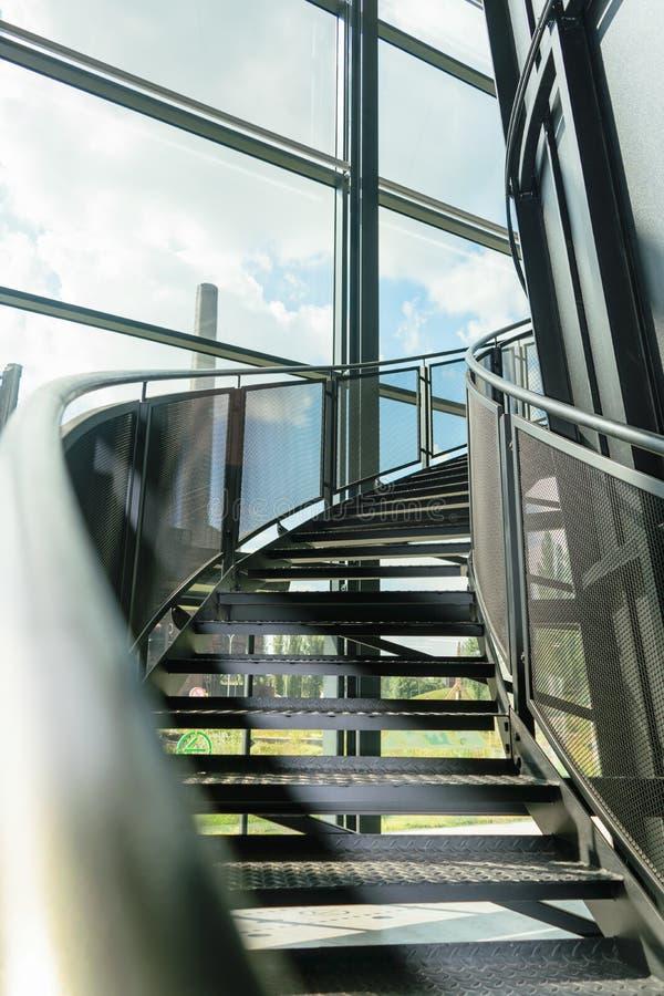 金属楼梯 免版税库存照片