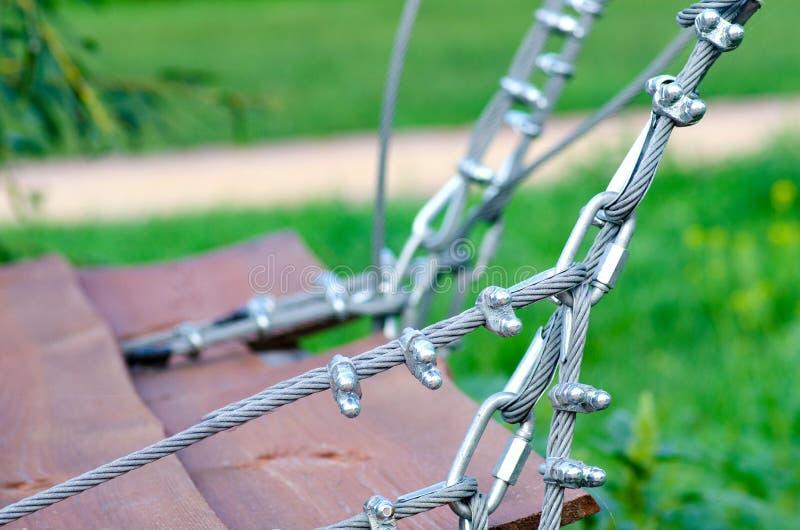 金属缆绳紧固 库存照片