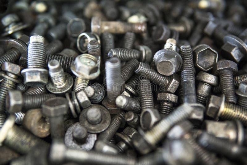 金属螺栓、坚果、螺丝和洗衣机 库存图片