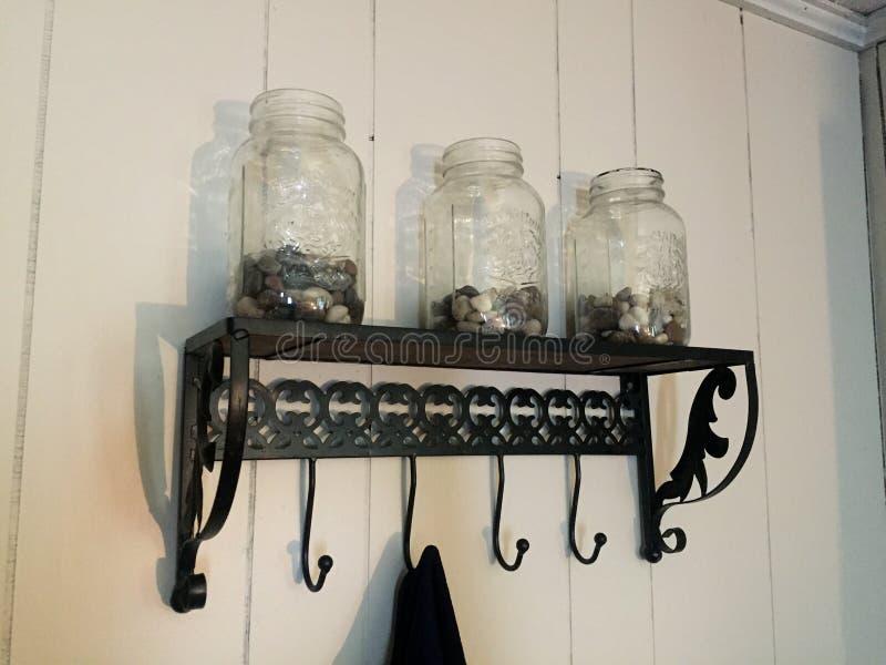金属螺盖玻璃瓶 免版税库存图片