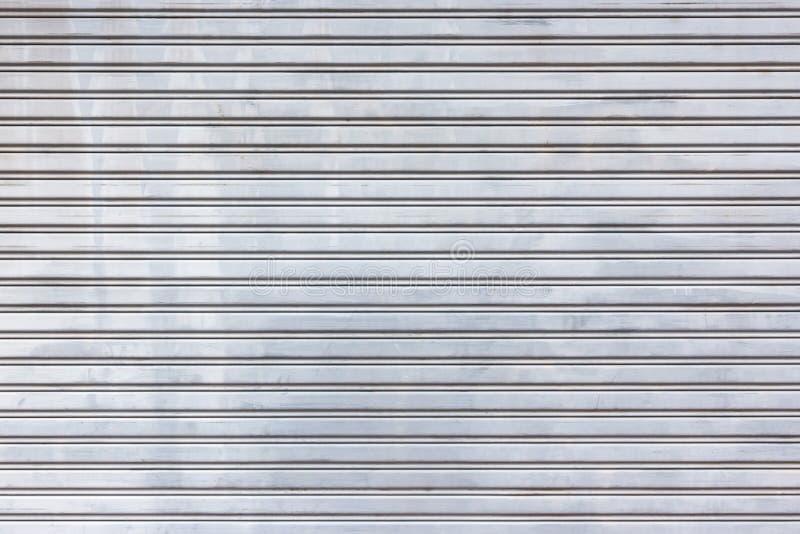 Download 金属路辗门快门背景和纹理 库存图片. 图片 包括有 刺激, 织地不很细, 灰色, 牌照, 布琼布拉, 屋顶 - 59104635
