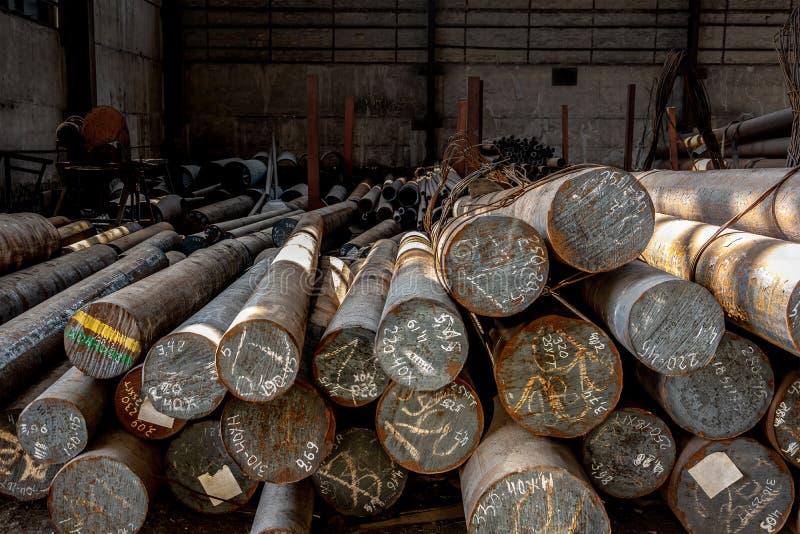 金属轧制,仓库,基地,存贮,从前面的看法,结尾视图,特写镜头 库存照片
