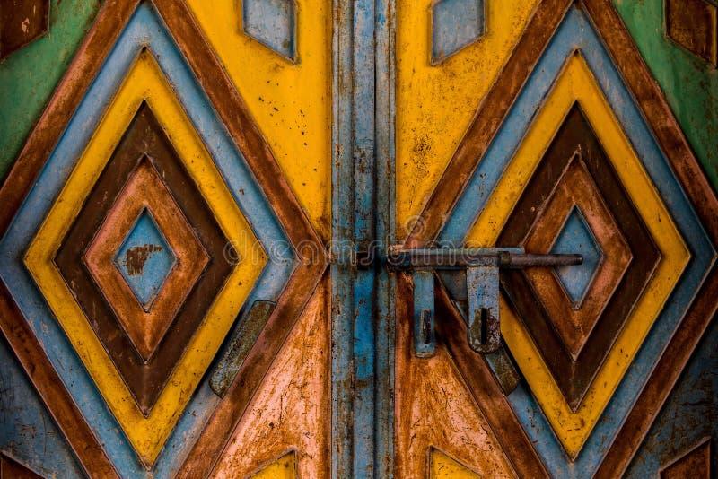金属门在阿曼 免版税库存图片
