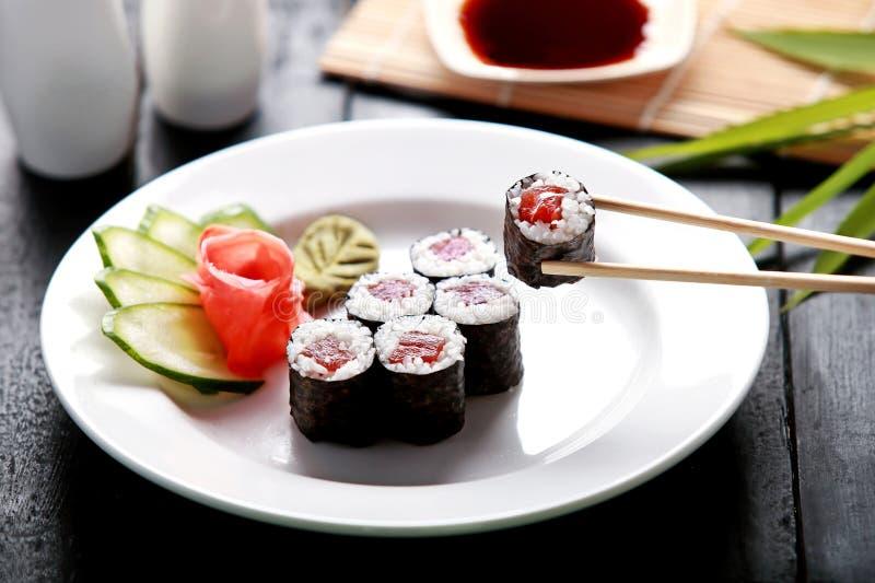 金枪鱼卷寿司 库存图片