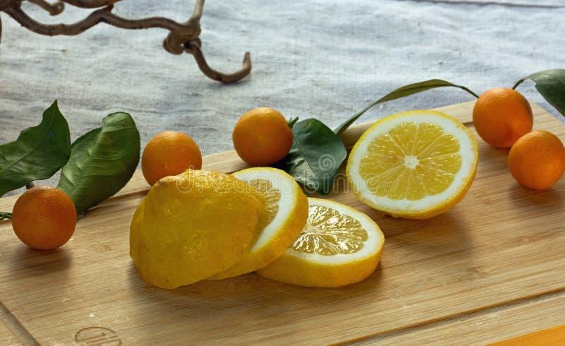金桔和柠檬 免版税库存图片