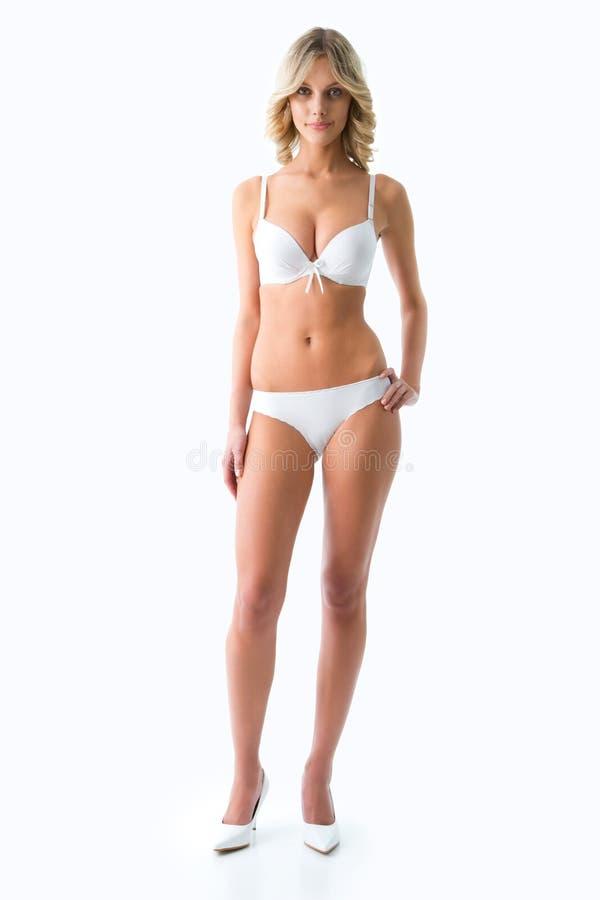 Download 金比基尼泳装的亭亭玉立的女孩 库存照片. 图片 包括有 偶然, 女孩, 生活, 新鲜, 查找, 逗人喜爱 - 62532890