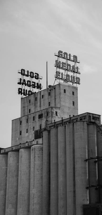 Download 金牌面粉加工厂街市米尼亚波尼斯 编辑类库存图片. 图片 包括有 天空, 工厂, 有历史, 投反对票, 进程 - 59105009