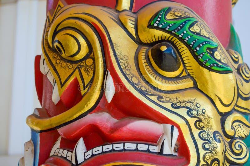 金瓷狮子雕象 库存照片