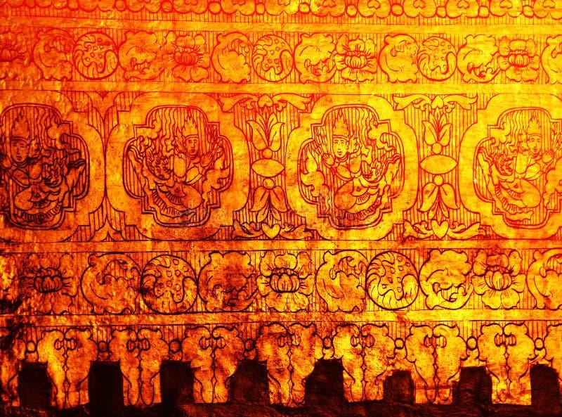 金缅甸stupa墙壁 免版税库存图片